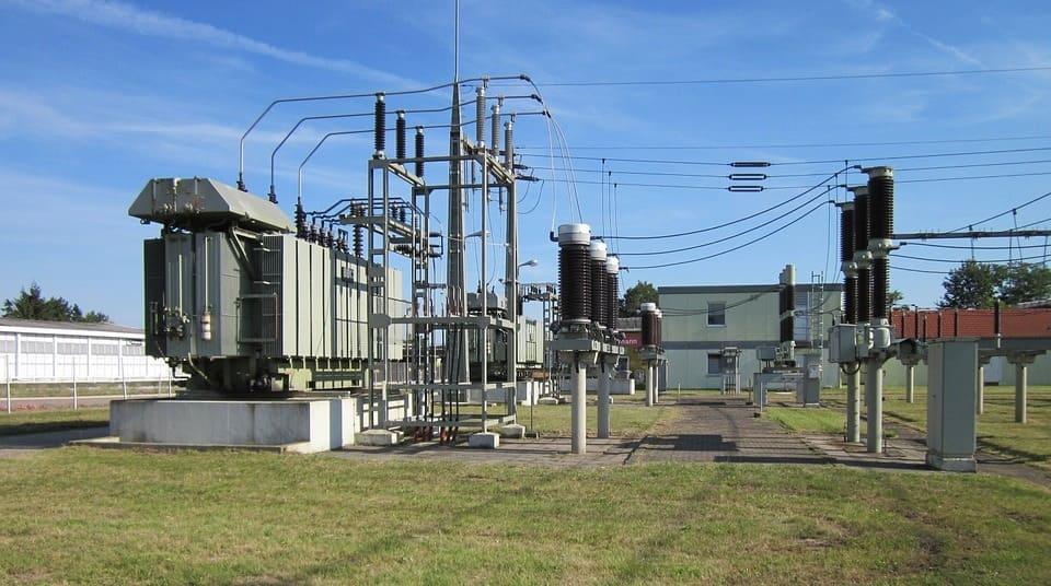 transformer oil relative permittivity